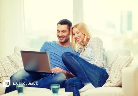 couple and laptop (1)