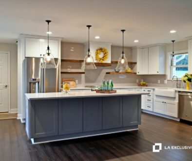 enjoying-a-cozy-new-kitchen-in-an-open-concept-home-copy-space-light-bright-airy-decoration-interior_t20_rox9lX (2)
