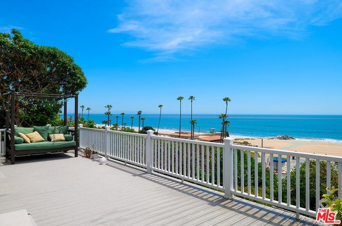 Tahitian Terrace Manufactured Homes in Pacific Palisades